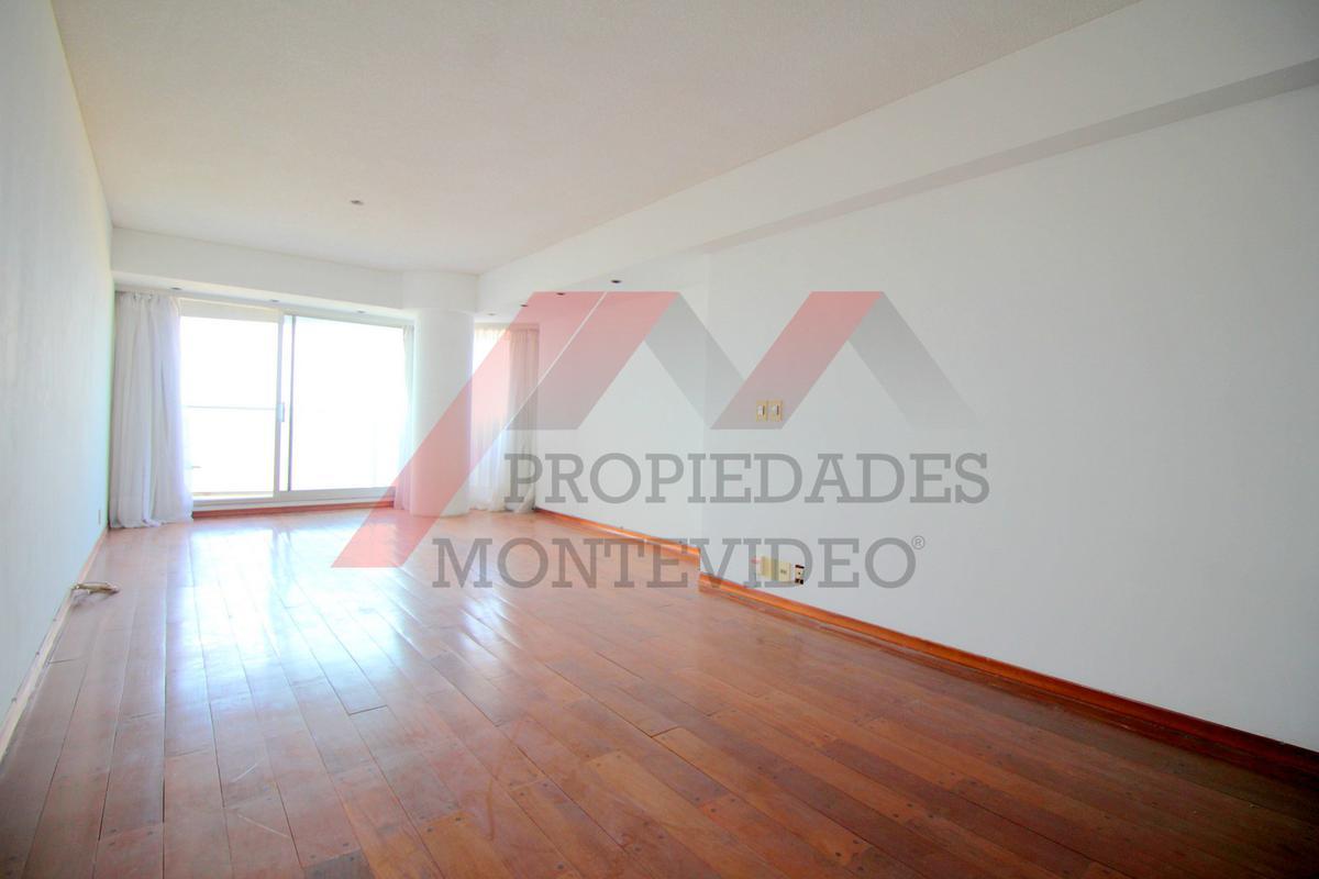 Foto Apartamento en Venta en  Malvín ,  Montevideo  República de Chile al 4400