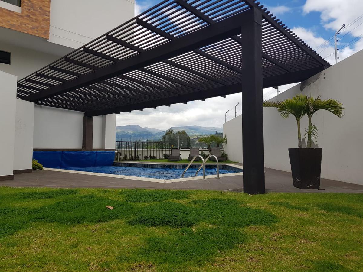 Foto Departamento en Venta en  Cumbayá,  Quito  CUMBAYA, BAJO DE PRECIO¡¡¡VENTA LINDO P.H. PRECIOSA VISTA