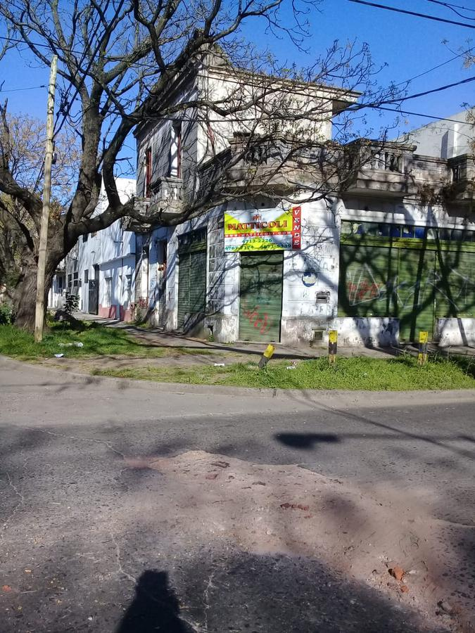 Foto Local en Venta en  Villa Lynch,  General San Martin  Indalecio Gomez al 4200