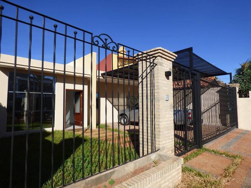 Foto Casa en Alquiler en  Laguna Grande,  Zona Norte  Zona Villa Olimpia