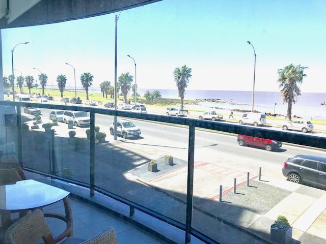 Foto Departamento en Alquiler en  Punta Carretas ,  Montevideo  Frente al mar, a mts del Golf.
