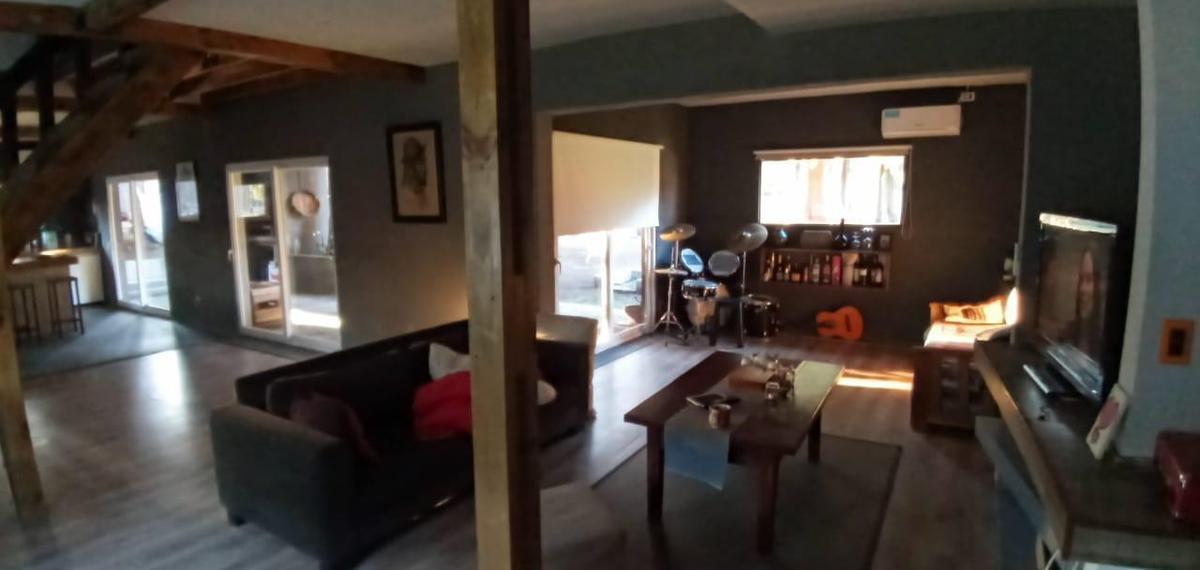 Foto Casa en Venta en  Fincas Del Lago,  Countries/B.Cerrado (Escobar)  Escobar- fincas del Lago casa de 4 ambientes 3 dormitorios