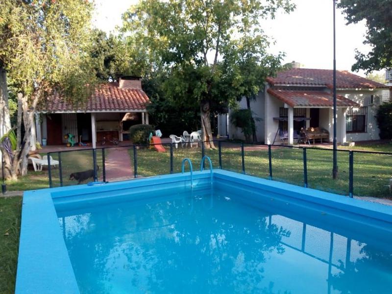 Foto Casa en Venta en  La Union,  Ezeiza  El Volcan 863