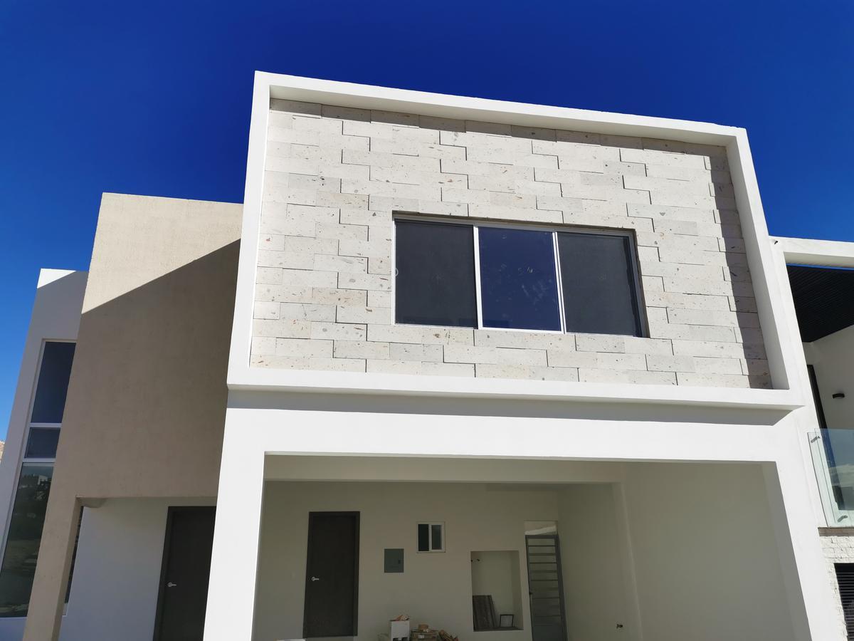 Foto Casa en Renta en  Chihuahua ,  Chihuahua  BOSQUES DEL VALLE 5, ESTRENE RESIDENCIA, 4 RECAMARAS, LA PRINCIPAL EN PLANTA BAJA. COMPLETAMENTE EQUIPADA.