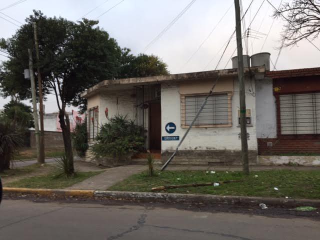Foto Casa en Venta en  Centro (Moreno),  Moreno  Uruguay esq. viamonte