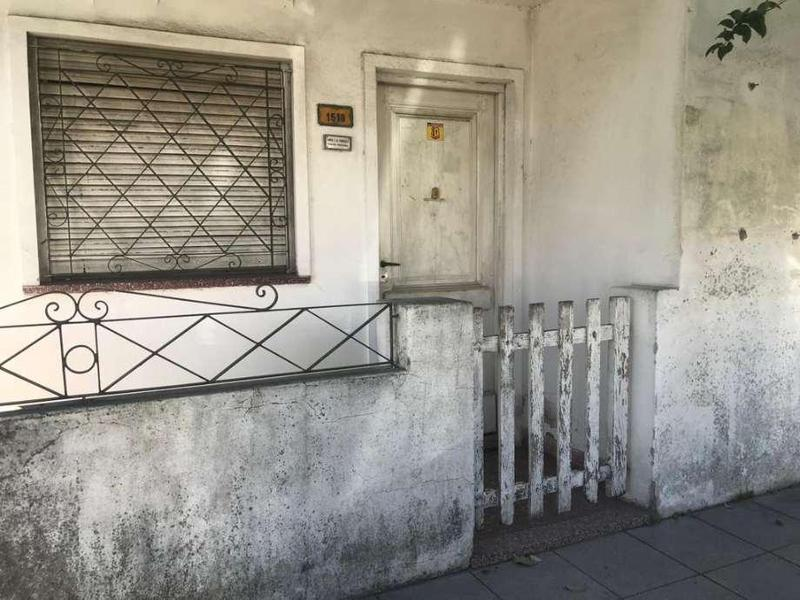 Foto Casa en Venta en  Quilmes,  Quilmes  Sarmiento 1518