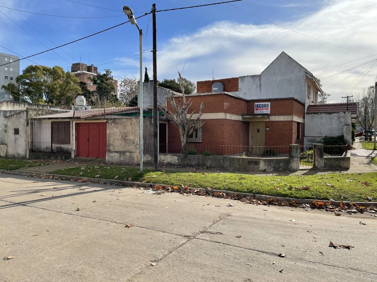 Foto Casa en Venta en  Quilmes Oeste,  Quilmes  Catamarca 2109 esquina Guillermo Marconi