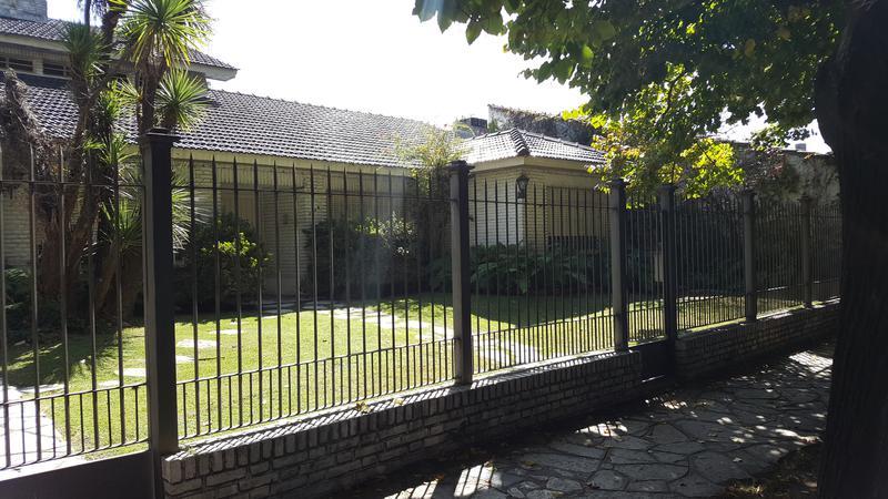 Foto Casa en Venta en  Adrogue,  Almirante Brown  ROSALES 1145 Entre Plaza Rosales y Solier