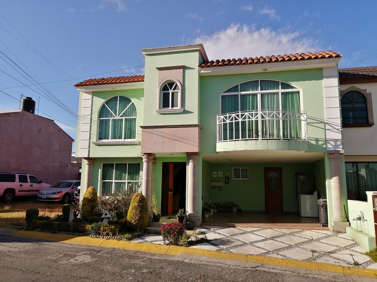 Foto Casa en Venta en  El Nogal,  Metepec  BONITA  CASA EN VENTA CON EXCELENTE HUBICACION, METEPEC