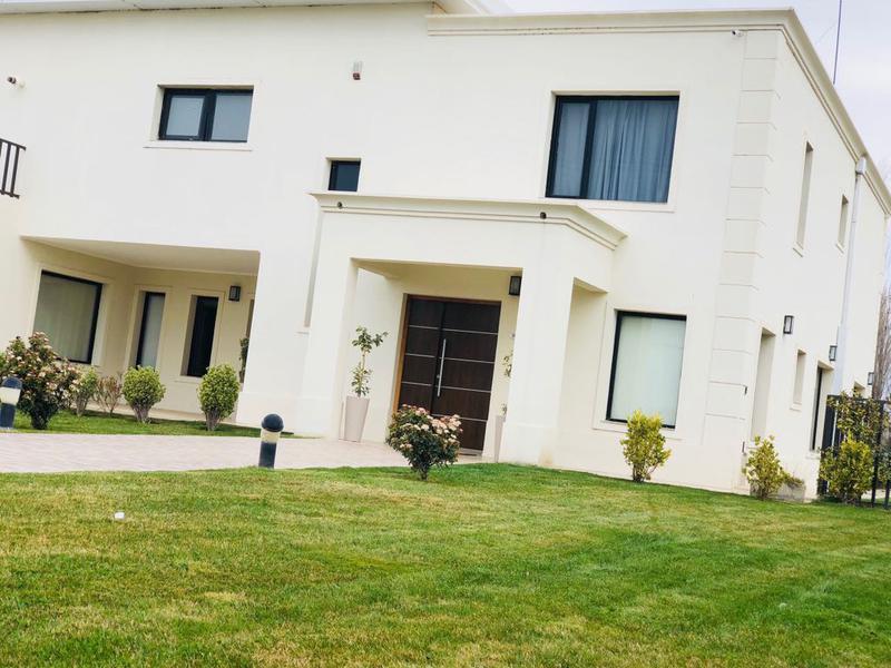 Foto Casa en Venta en  Capital ,  Neuquen  COSTA NOGAL NQN