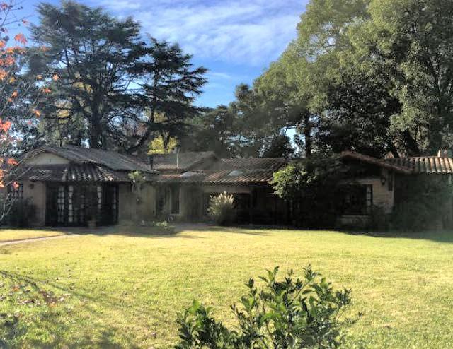 Foto Casa en Venta en  Barrio Parque Leloir,  Ituzaingo  La Pialada al 3600