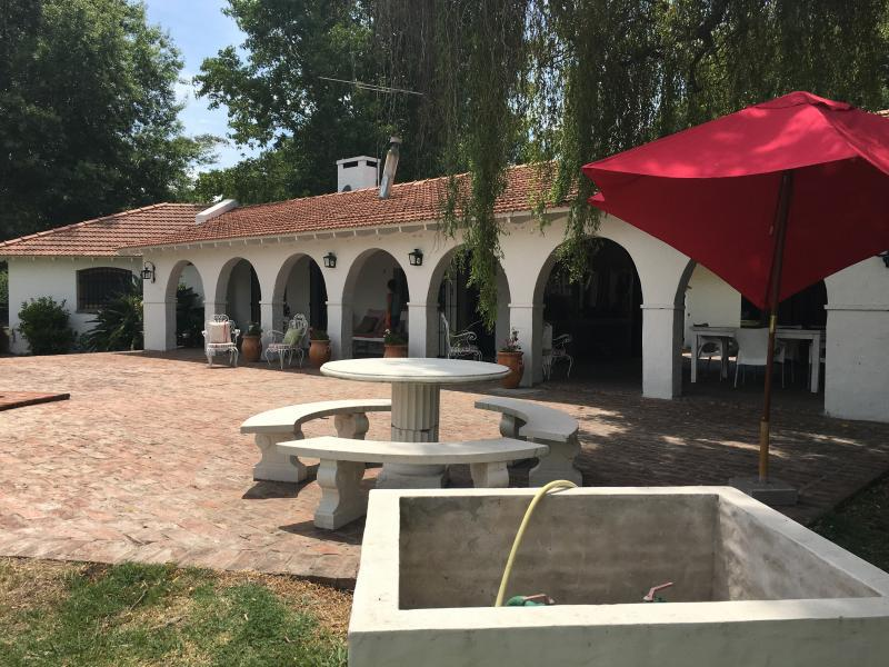 Foto Casa en Alquiler en  Melchor Romero,  La Plata  514 y 174