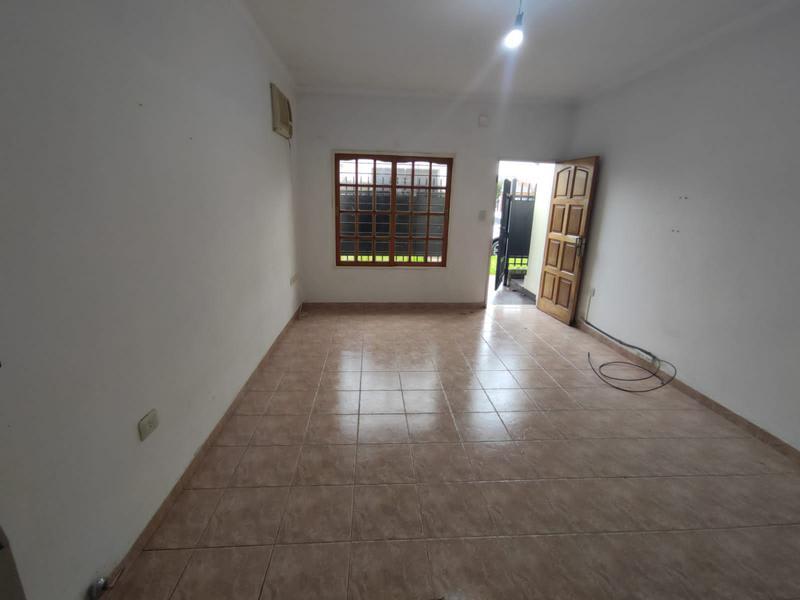 Foto Departamento en Alquiler en  Moron,  Moron  Carlos Calvo al 2300