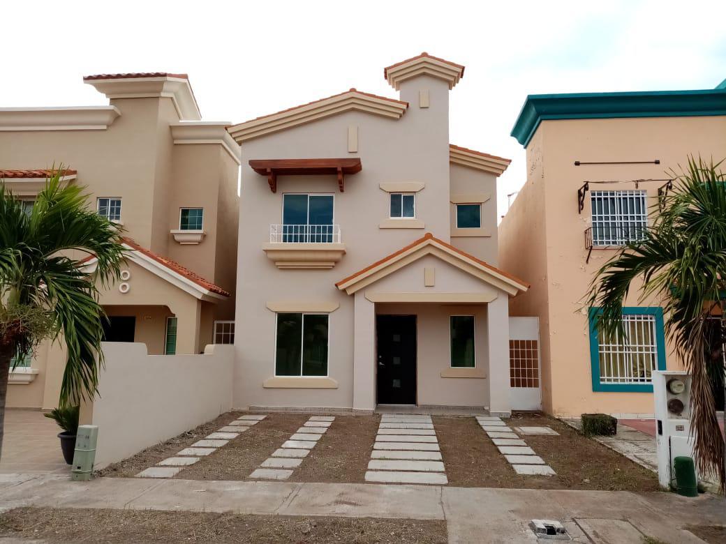 Foto Casa en Venta en  Fraccionamiento Stanza,  Culiacán  STANZA TOSCANA PRIVADA SARRE