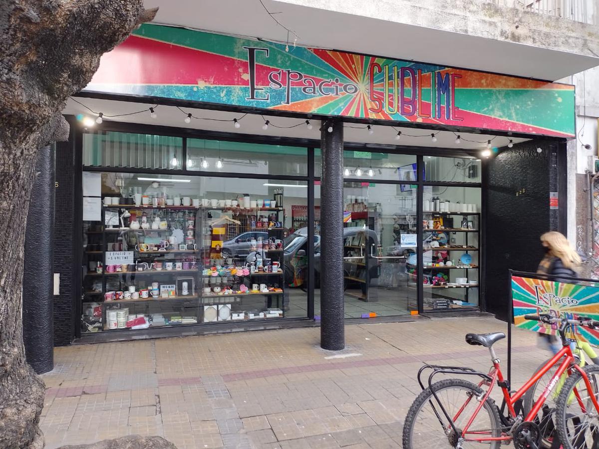Foto Local en Venta en  Microcentro,  La Plata  54 11 y diag 73