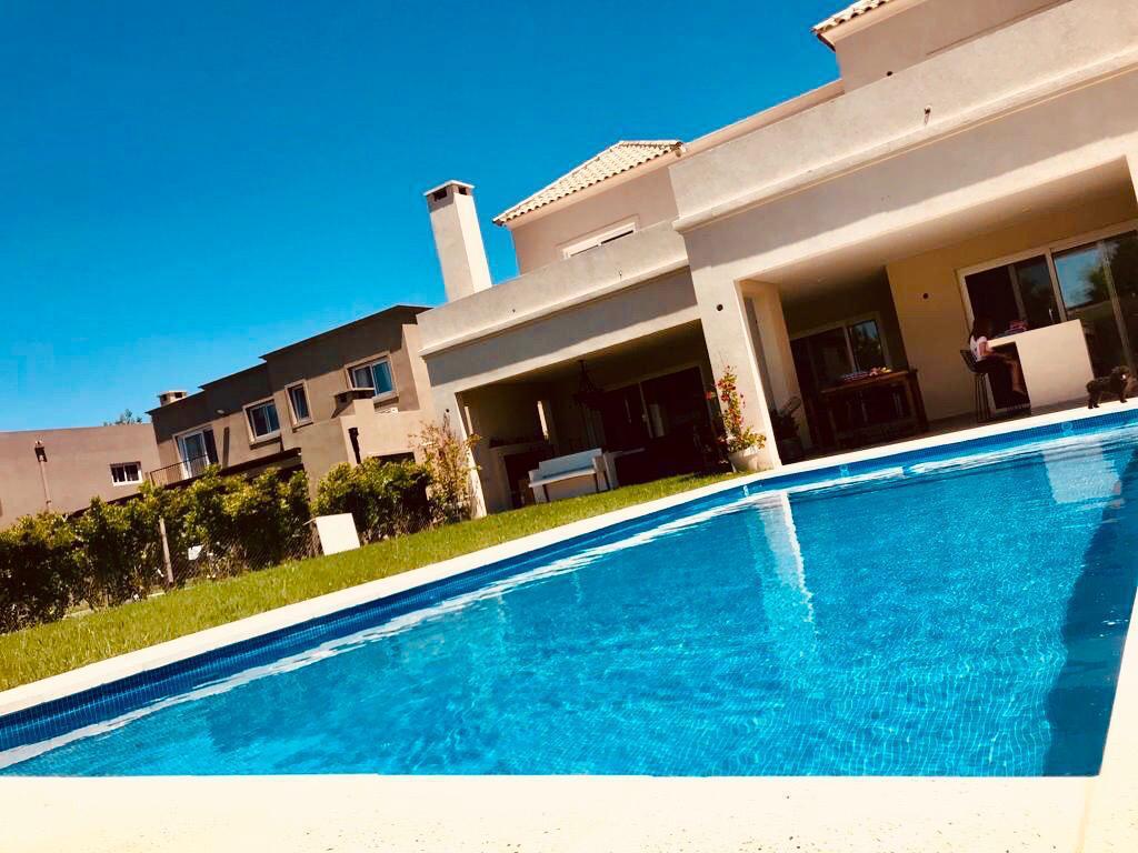 Foto Casa en Venta en  La Comarca,  Countries/B.Cerrado (Tigre)  Corredor Bancalari al 36700-LA COMARCA