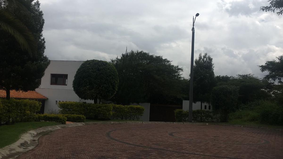 Foto Terreno en Venta en  Cumbayá,  Quito  Urbanización La Viña