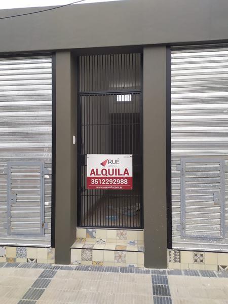 Foto Local en Alquiler en  Villa El Libertador,  Cordoba Capital  Locales en alquiler en zona de alto tránsito en Villa El Libertador. Calle Congreso al 300