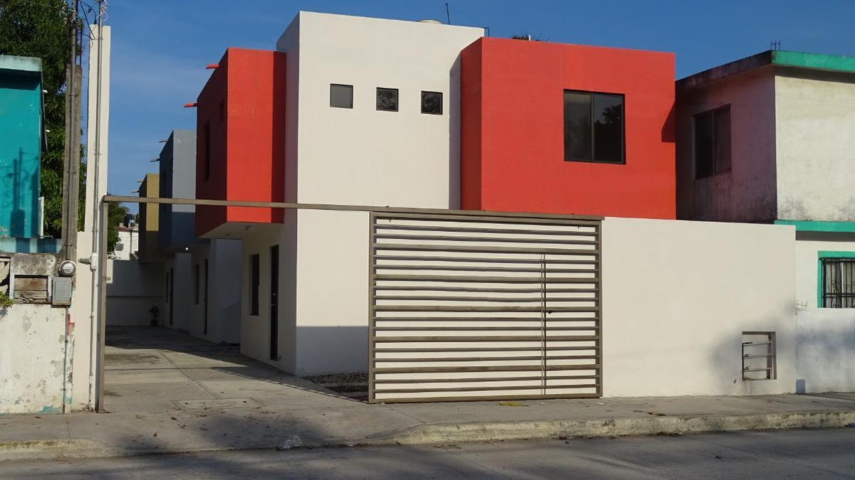 Foto Casa en Venta en  Heriberto Kehoe,  Ciudad Madero  Bonita casa en Col. Heriberto Kehoe
