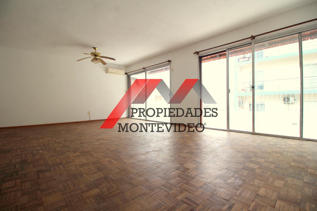 Foto Apartamento en Venta en  Cordón ,  Montevideo  Cordón, Gaboto al 1400