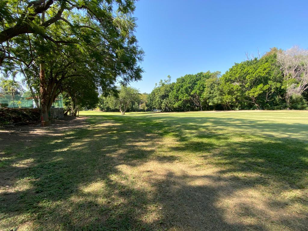 Foto Terreno en Venta en  Club de Golf Santa Fe,  Xochitepec  Terreno Frente al Green en Club de Golf Santa Fe