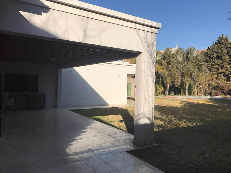 Foto Casa en Alquiler   Venta en  Capital ,  San Juan  Av. Libertador al al 2000