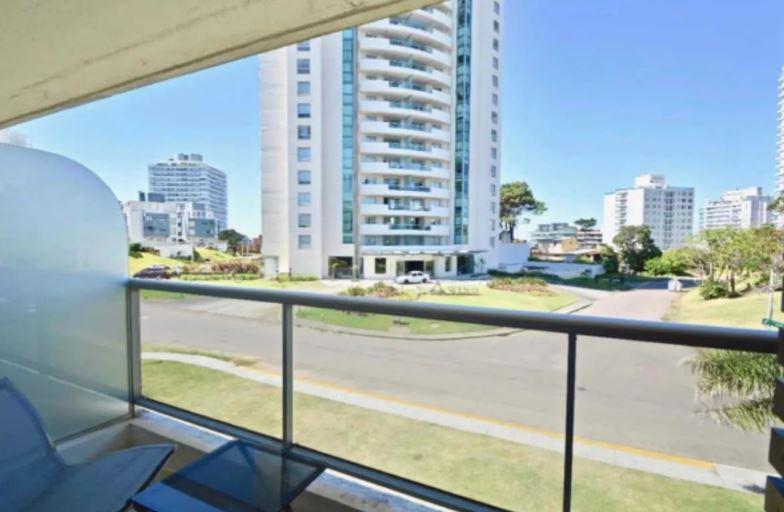 Foto Apartamento en Venta en  Aidy Grill,  Punta del Este  Hermoso apto torre con servicios