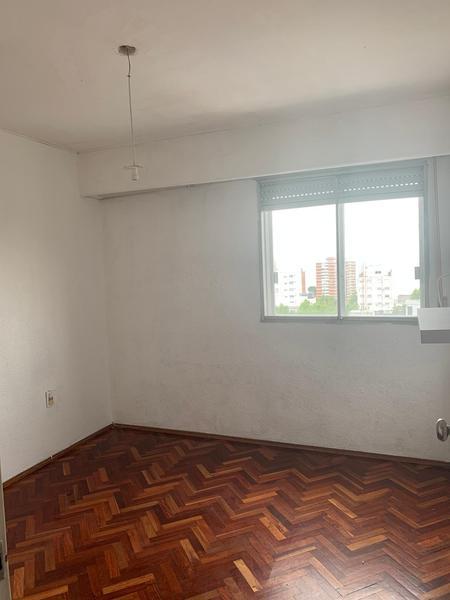 Foto Departamento en Alquiler en  Centro (Montevideo),  Montevideo  Dos dormitorios pleno Centro, piso alto