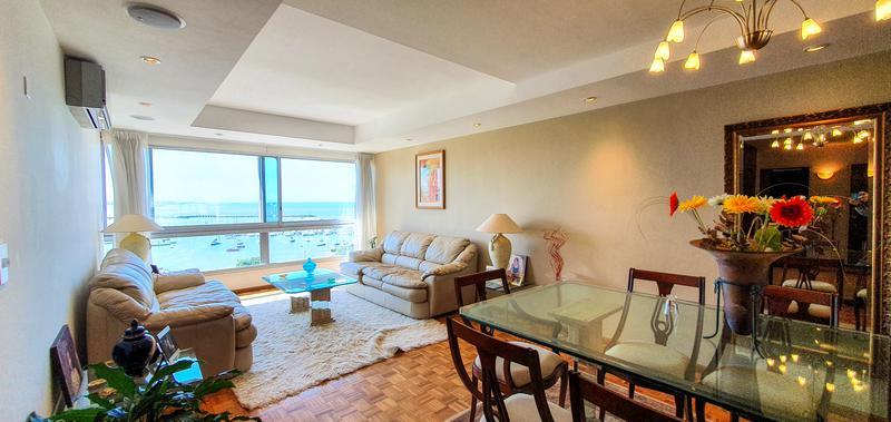 Foto Apartamento en Alquiler en  Puerto Buceo ,  Montevideo  Panamericano. 2 dormitorios y servicio