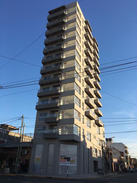Foto Departamento en Venta en  Piñeyro,  Avellaneda  Av. Galicia al 600