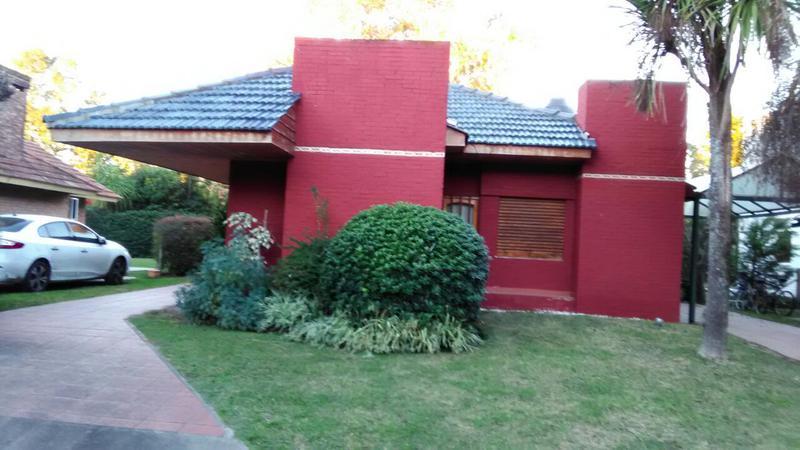 Foto Casa en Venta en  El Sosiego,  Countries/B.Cerrado (E. Echeverría)  Casa en  barrio El Sosiego