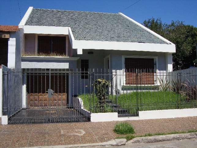 Foto Casa en Venta en  Ramos Mejia,  La Matanza  Avellaneda al 1700