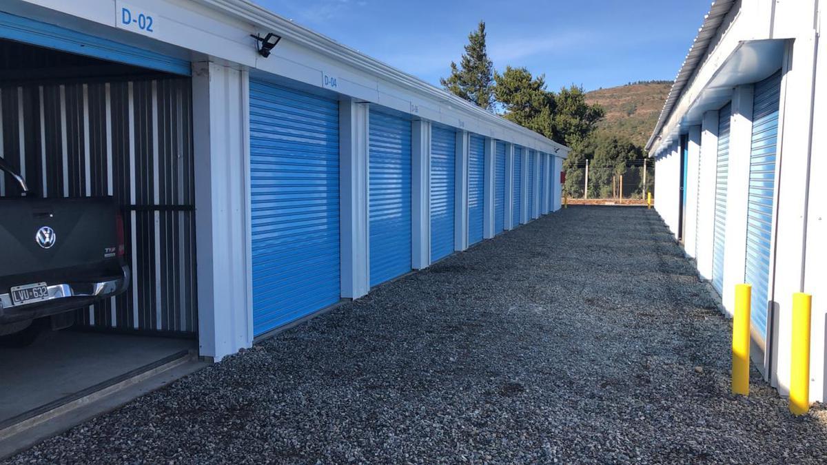 Foto Local en Venta en  Ñireco,  San Carlos De Bariloche  Esandi y Circunvalación