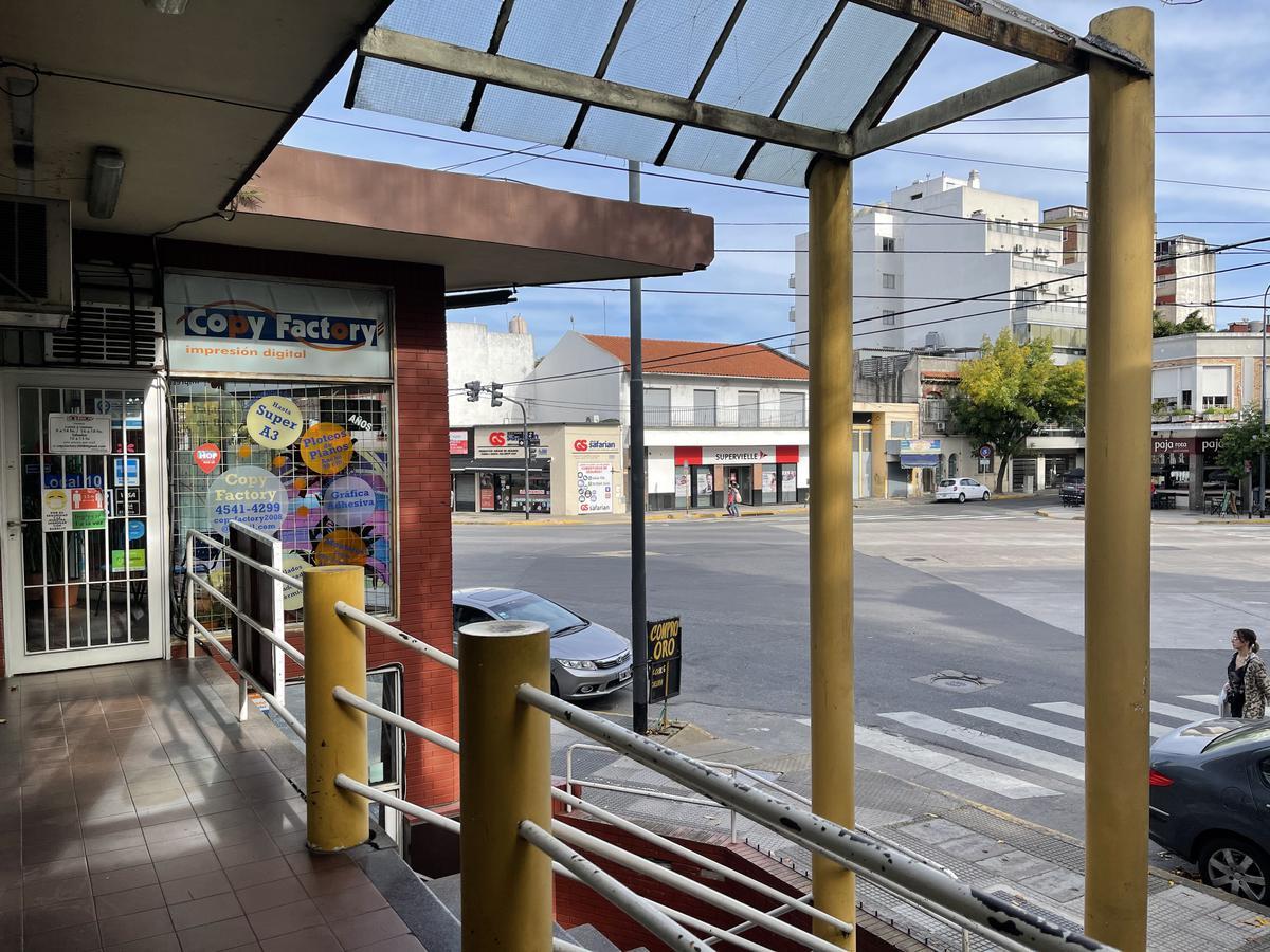 Foto Local en Venta en  Saavedra ,  Capital Federal  Estomba al 3800