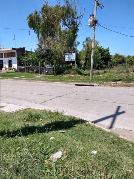 Foto Terreno en Venta en  Quilmes,  Quilmes  av isidro iriarte 1700