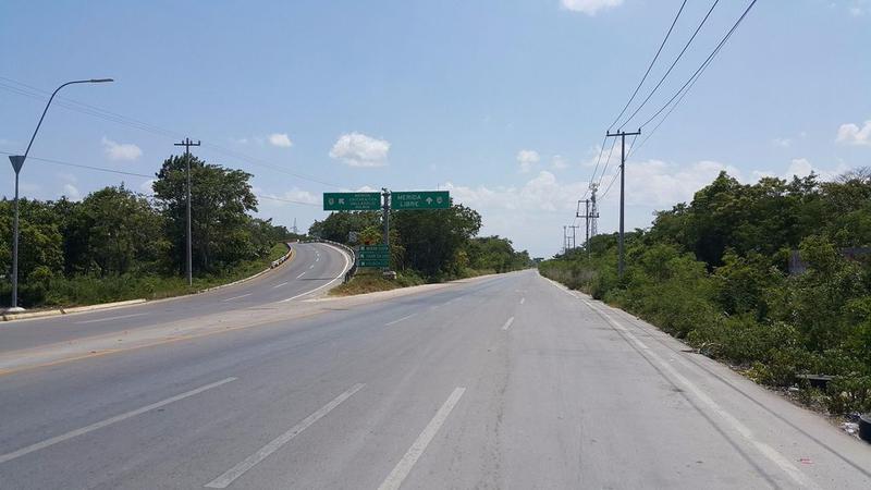 Foto Terreno en Venta en  Cancún Centro,  Cancún  TERRENOS EN VENTA EN CANCUN DE 4900 M2 EN AVENIDA LOPEZ PORTILLO
