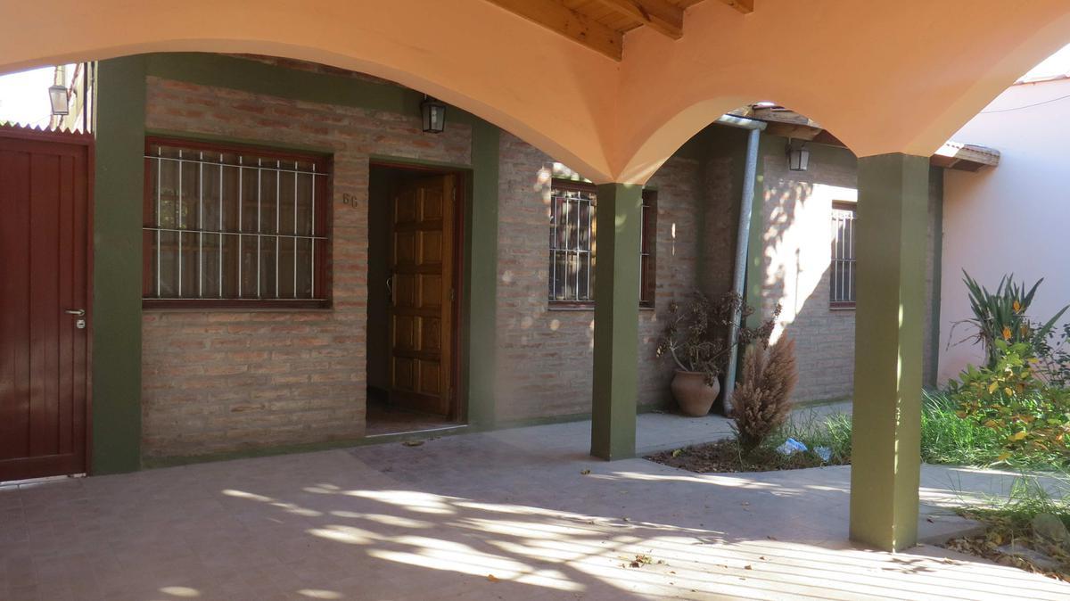 Foto Casa en Venta en  Capital ,  San Juan  Estrada inmediaciones Mendoza