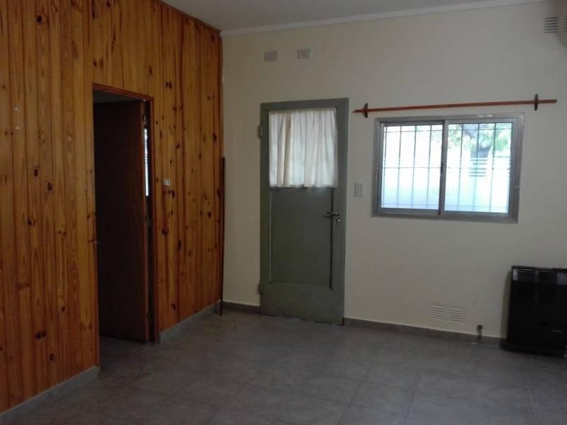 Foto Departamento en Alquiler en  General Roca ,  Rio Negro  MISIONES  al 1300