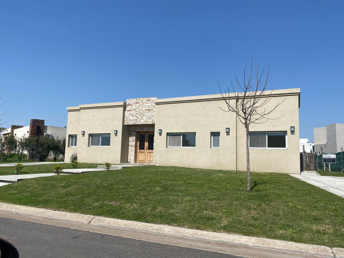Foto Casa en Venta en  El Molino Sur,  Haras Santa Maria  Venta casa a estrenar en Haras Santa Maria cercana a la Panamericana Ramal 9.