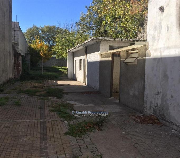 Foto Local en Venta en  Reducto ,  Montevideo  Reducto