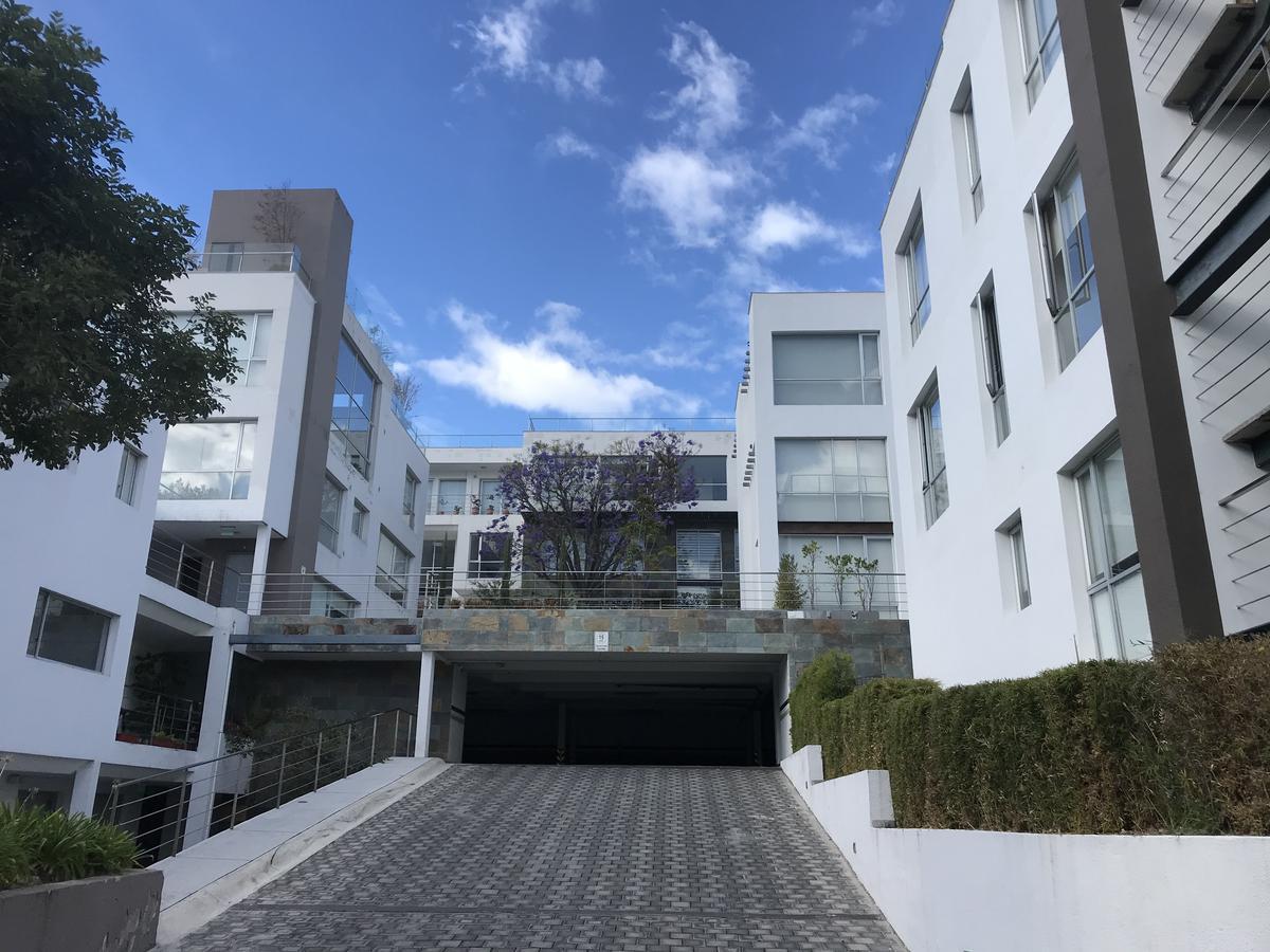 Foto Departamento en Venta en  Cumbayá,  Quito  Cumbayá, Sironi