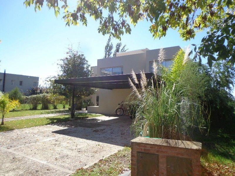 Foto Casa en Venta en  Santa Catalina,  Villanueva  Santa Catalina, Villanueva, Tigre. Casa 5 dormitorios con lote al río, espectacular.