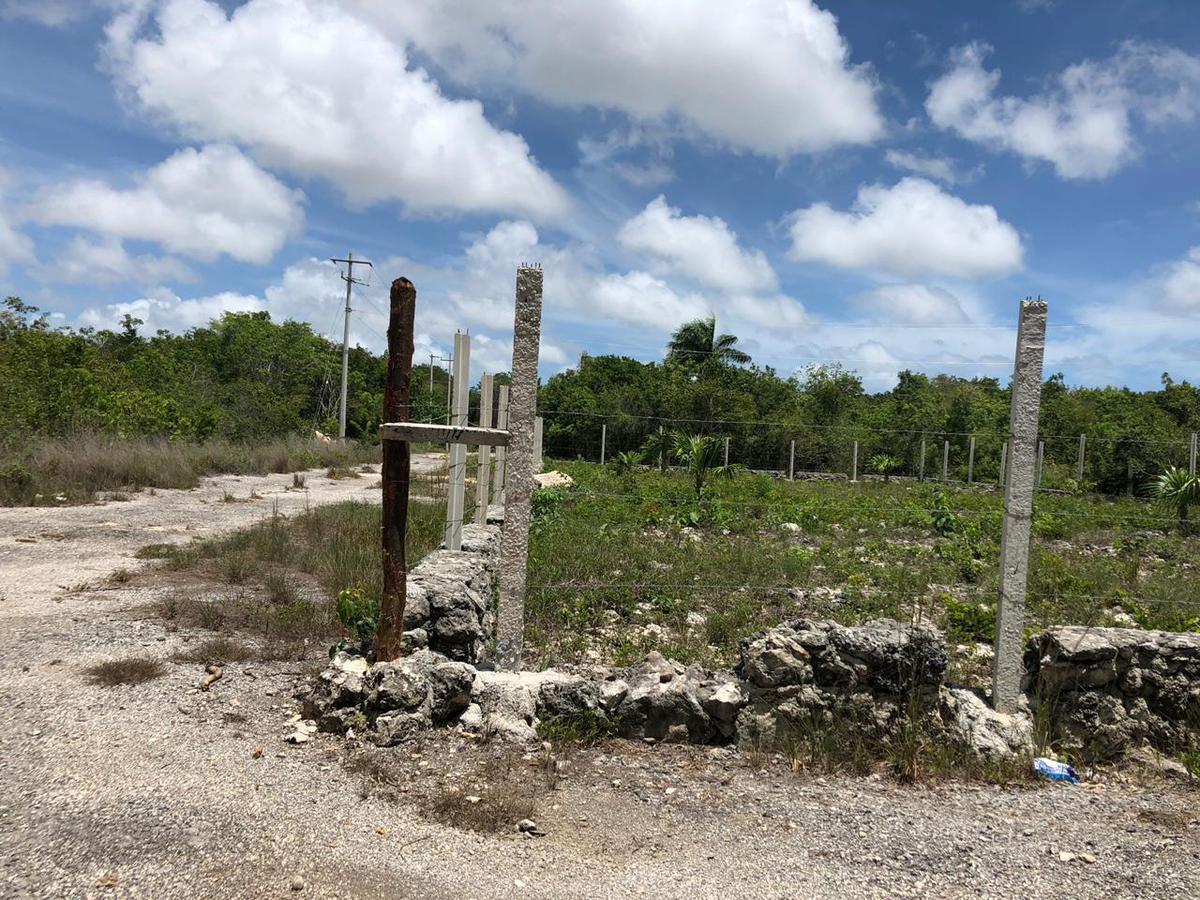 Foto Terreno en Venta en  Colegios,  Cancún  TERRENO EN VENTA EN CANCUN EN FRACCIONAMIENTO COLEGIOS