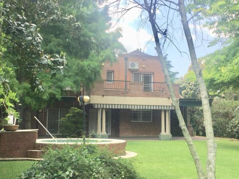 Foto Casa en Alquiler en  Saint Thomas,  Countries/B.Cerrado (E. Echeverría)          Casa en alquiler en St. Thomas   Norte