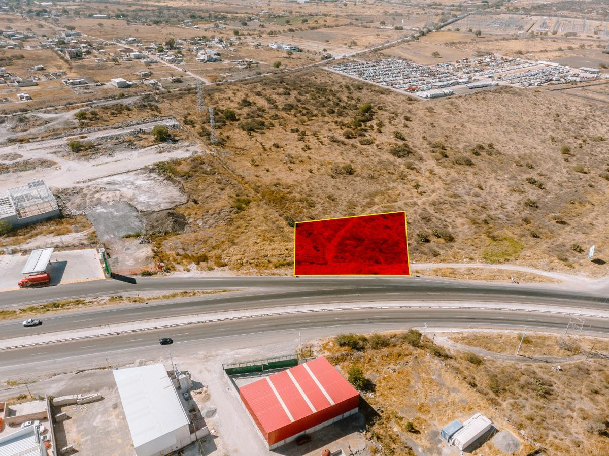 Foto Terreno en Venta en  Los Angeles,  Corregidora  LOTE  INDUSTRIAL COMERCIAL MIXTO VENTA LIBRAMIENTO SUR PONIENTE