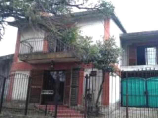 Foto Casa en Venta en  Ituzaingó ,  G.B.A. Zona Oeste  niceto vega al 200