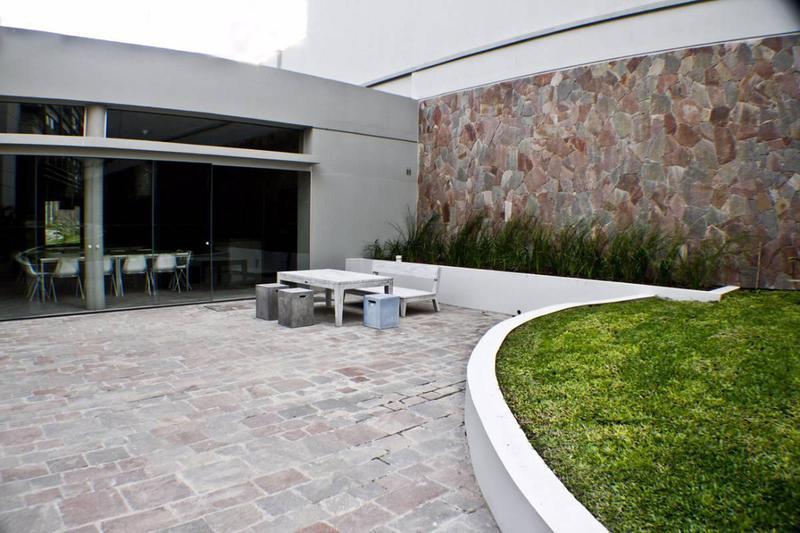 Foto Departamento en Alquiler temporario en  San Telmo ,  Capital Federal  QUARTIER DE SAN TELMO Av. Juan de Garay 700