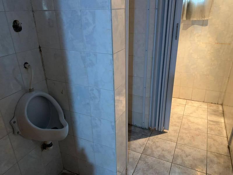 Foto Local en Alquiler en  Lomas de Zamora Oeste,  Lomas De Zamora  LAPRIDA 860