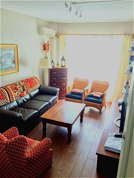 Foto Casa en Venta en  Pocitos ,  Montevideo  EN LA MEJOR CALLE DE POCITOS, estufa leña, patio, parrillero