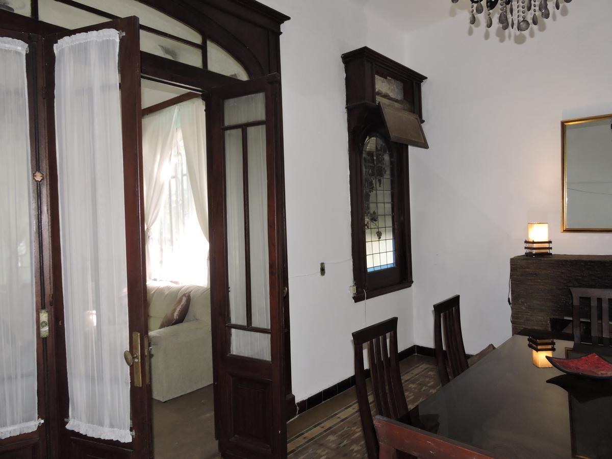 Foto Casa en Venta | Alquiler en  Sayago ,  Montevideo  Casa 5 dormitorios y apartamento de servicio con jardín y gran fondo